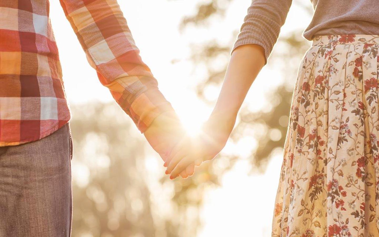Romantic Getaways in North Carolina romantic couple