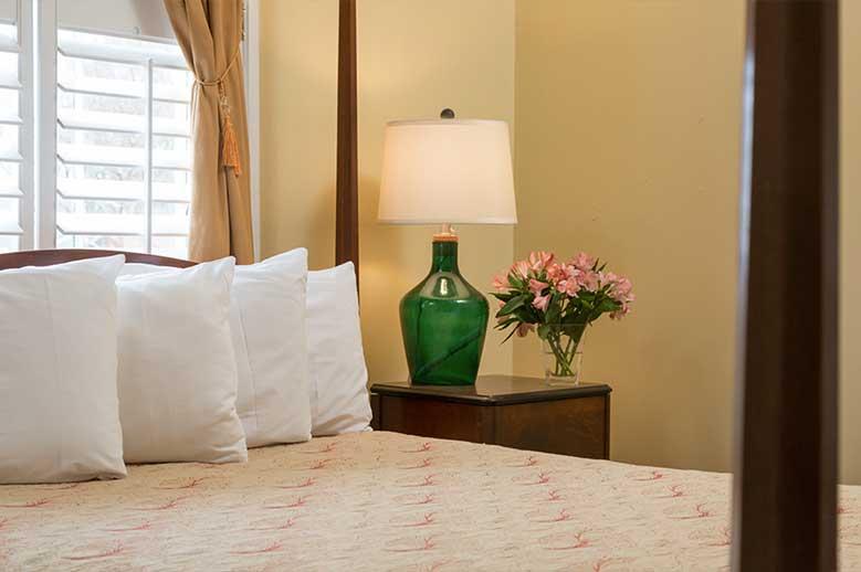 Martha Edwards Suite Inner Banks Inn : Martha Edwards Suite Romantic North Carolina Vacation 2 from www.innerbanksinn.com size 779 x 518 jpeg 28kB
