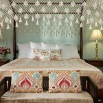 Pembroke Room, canopy bed with antique foot bench